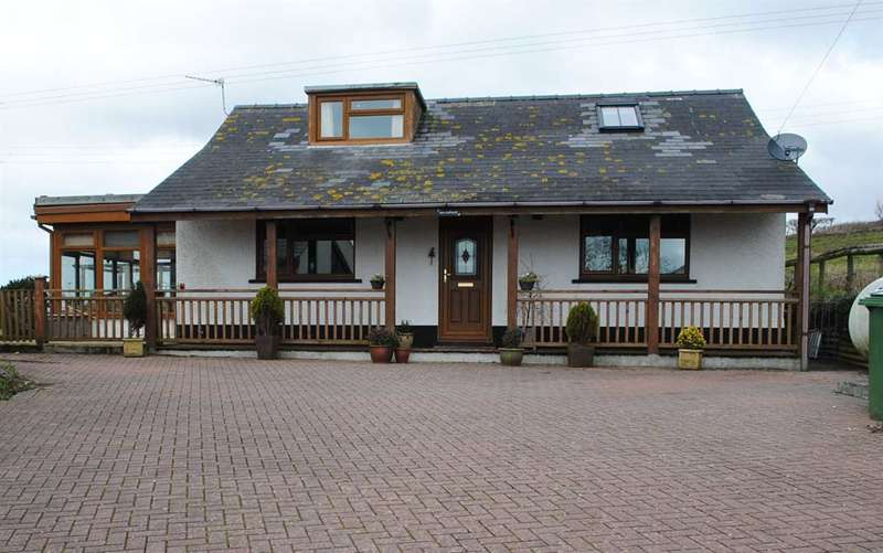 4 Bedrooms Detached Bungalow for sale in So What, Trewent Hill, Freshwater East