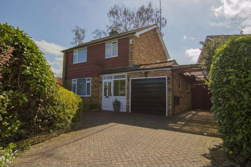 3 Bedrooms Detached House for sale in Birch Road, Burghfield Common, Reading, RG7