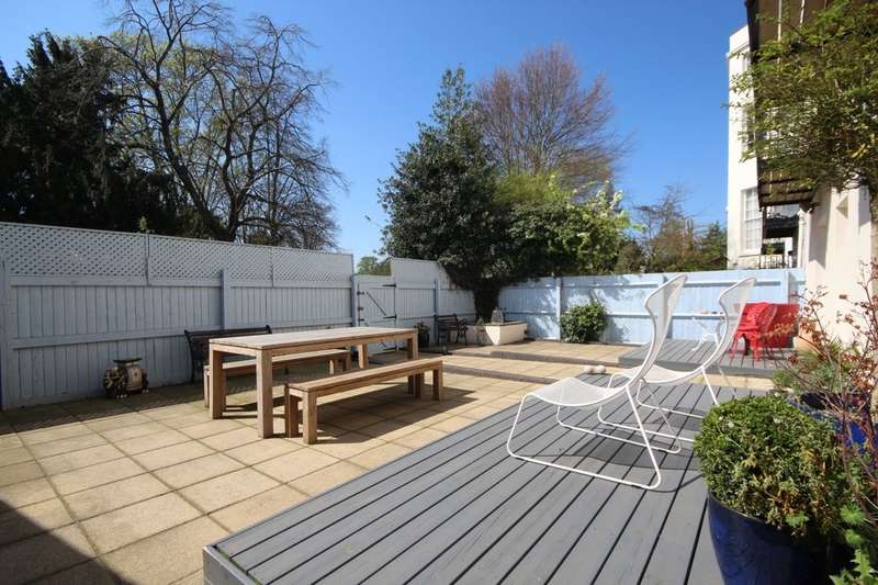 2 Bedrooms Flat for sale in Portland Place West, Leamington Spa, CV32