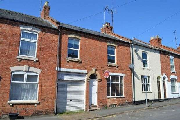 3 Bedrooms Terraced House for sale in Queens Road, The Mounts, Northampton NN1 3LP