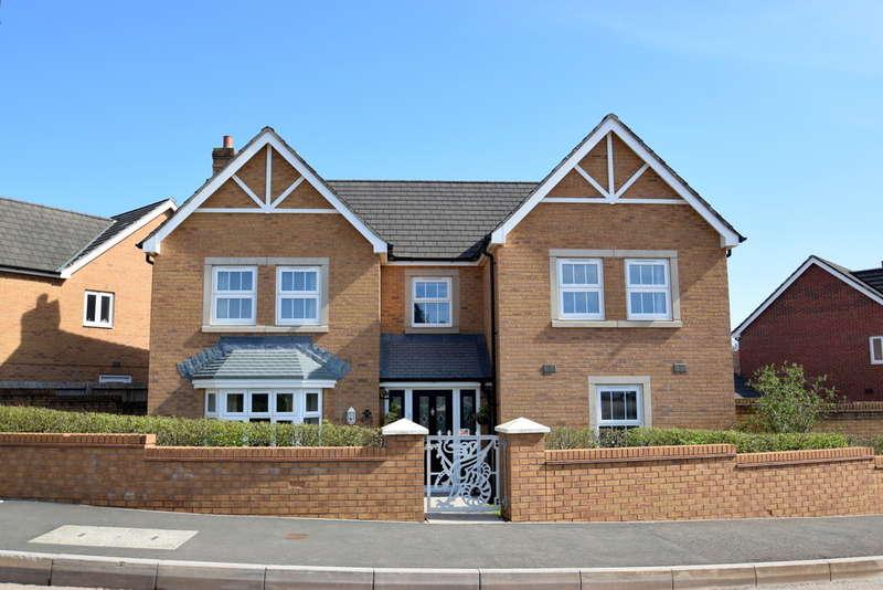 4 Bedrooms Detached House for sale in 26 Heol Stradling, Coity, Bridgend, CF35 6AN