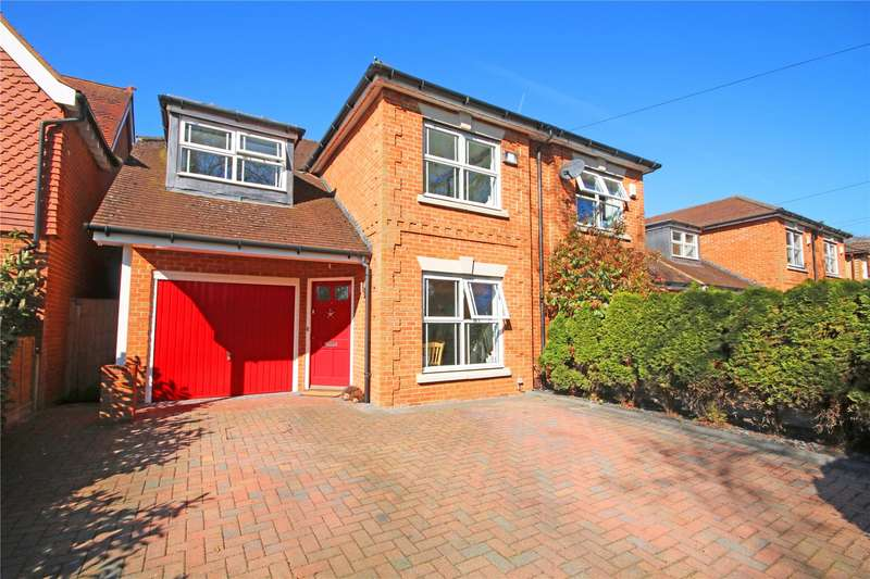 4 Bedrooms Semi Detached House for sale in Burleigh Road, Addlestone, Surrey, KT15