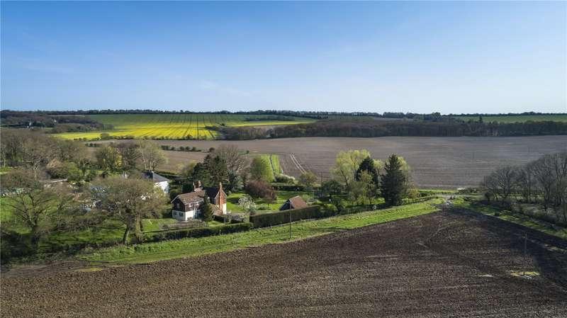 5 Bedrooms Detached House for sale in West Flexford Lane, Wanborough, Guildford, Surrey, GU3
