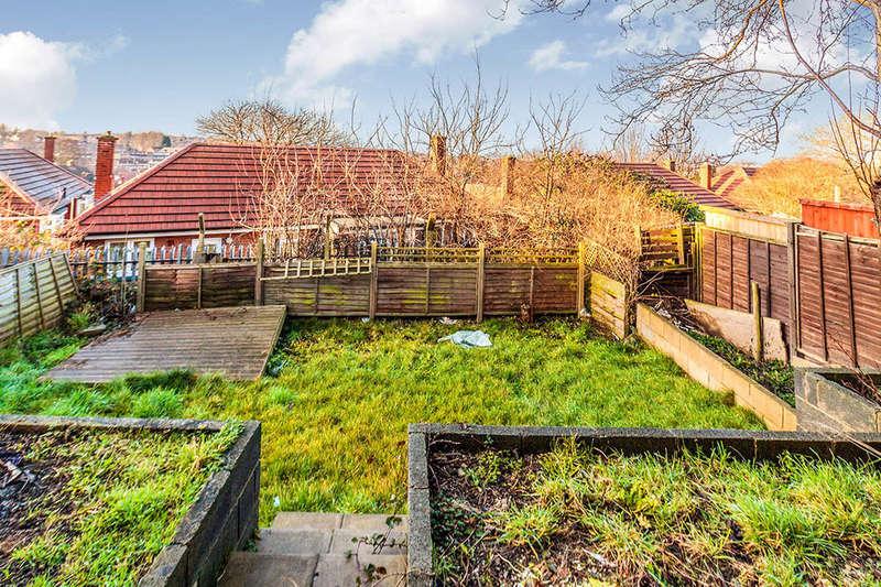 3 Bedrooms Semi Detached House for sale in Farnworth Road, East Herringthorpe, Rotherham, S65