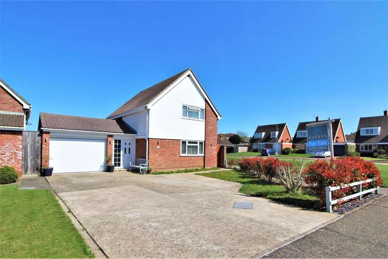 3 Bedrooms Detached House for sale in Chamberlain Avenue, Walton On The Naze