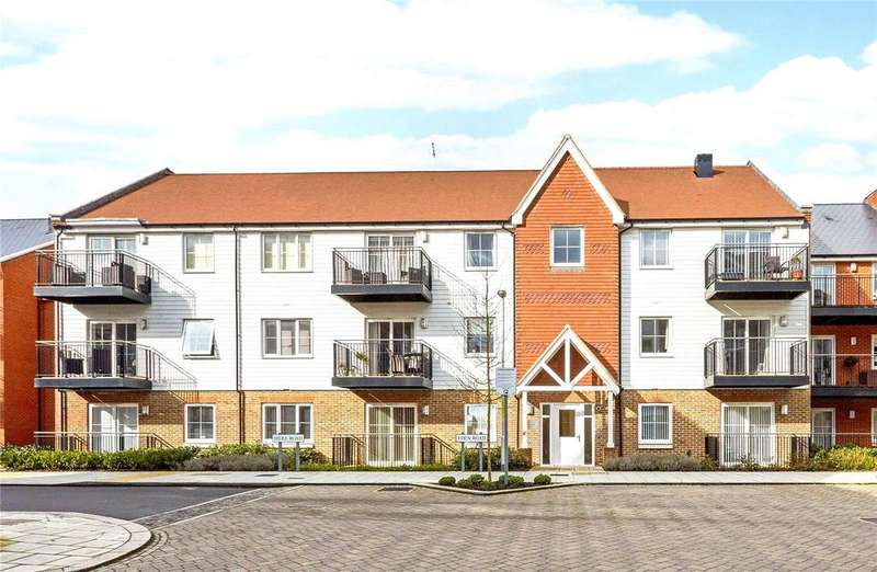 2 Bedrooms Flat for rent in Redlands Court, Eden Road, Dunton Green, Sevenoaks, TN14