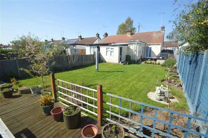 2 Bedrooms Semi Detached Bungalow for sale in Feeches Road, Southend On Sea, Essex