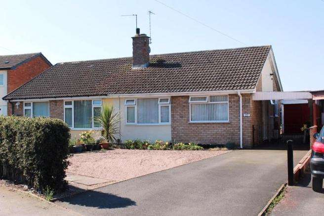 2 Bedrooms Semi Detached Bungalow for sale in 27 Broomfield Road, Newport, Shropshire, TF10 7PL
