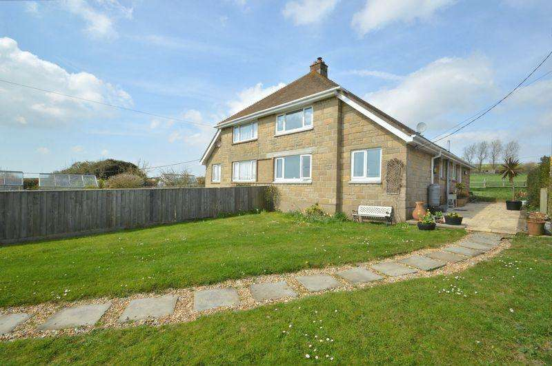 3 Bedrooms Semi Detached House for sale in BRIGHSTONE