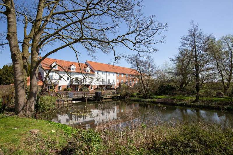 3 Bedrooms Town House for sale in The Watermill, Bracondale Millgate, Norwich, Norfolk, NR1