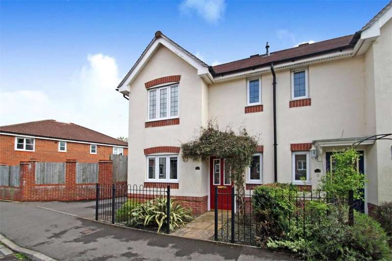 3 Bedrooms Semi Detached House for sale in Florence Way, Alton, Hampshire