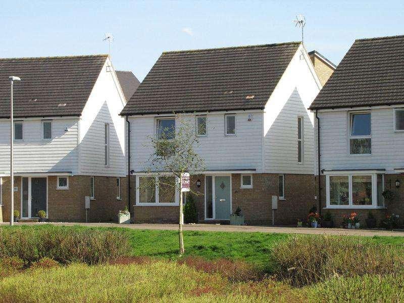 3 Bedrooms Detached House for sale in Hambledines, Redhouse Park, Milton Keynes