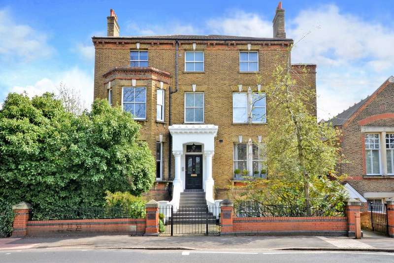 2 Bedrooms Apartment Flat for sale in Upper Brighton Road, Surbiton, KT6