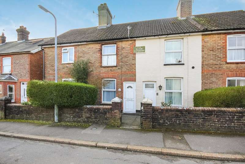 3 Bedrooms Terraced House for sale in Gladstone Road, Crowborough