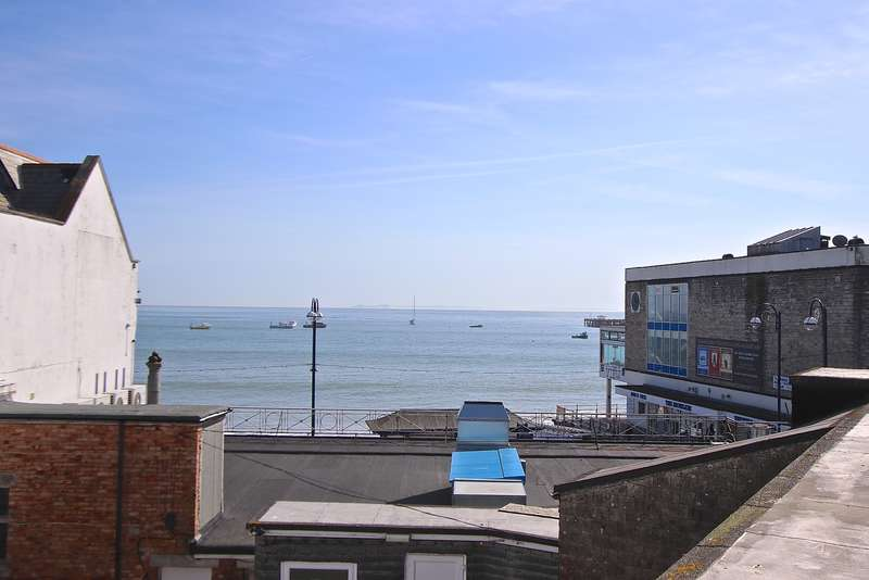 2 Bedrooms Flat for sale in STATION ROAD, SWANAGE