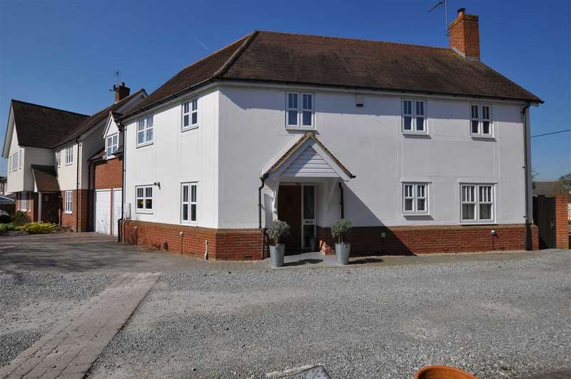 5 Bedrooms Link Detached House for sale in The Tythings, Chelmsford