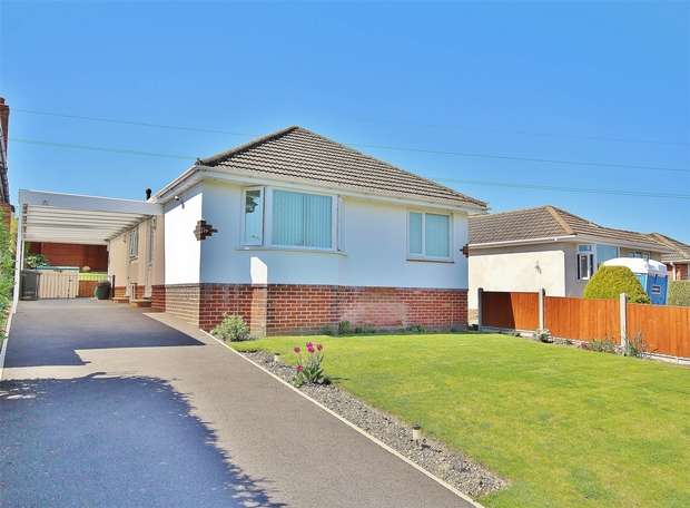 3 Bedrooms Detached Bungalow for sale in Shapland Avenue, Bear Cross, BOURNEMOUTH, Dorset