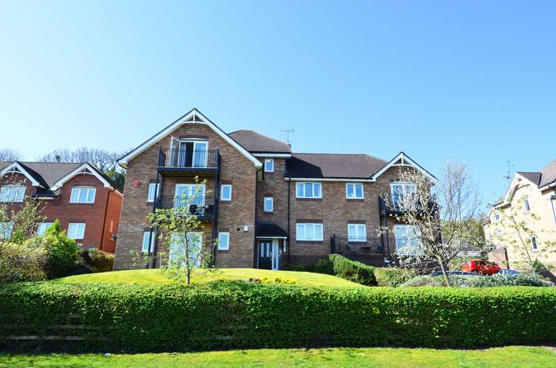 2 Bedrooms Flat for sale in Morris Mews, Kingsmead Road, Loudwater, HP11