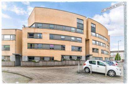 2 Bedrooms Flat for sale in St. Francis Rigg, New Gorbals, Glasgow