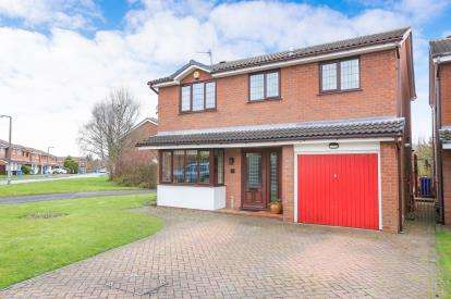 4 Bedrooms Detached House for sale in Larchmere Drive, Essington, Wolverhampton, Staffordshire