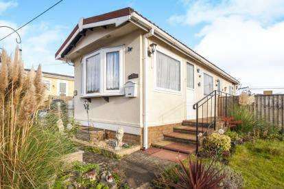 1 Bedroom Bungalow for sale in Chudleigh Knighton, Chudleigh, Newton Abbot