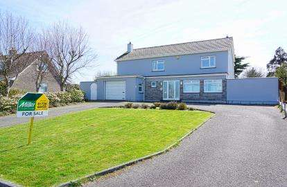 4 Bedrooms Detached House for sale in Carlyon Bay, St Austell, Cornwall