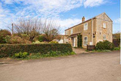 2 Bedrooms Detached House for sale in Marham, King's Lynn, Norfolk