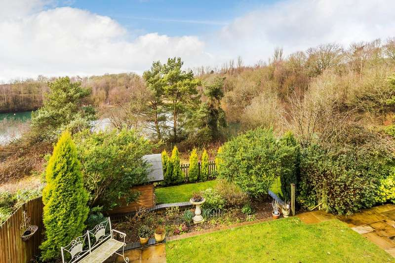4 Bedrooms Detached House for sale in Clayton Mead, Godstone