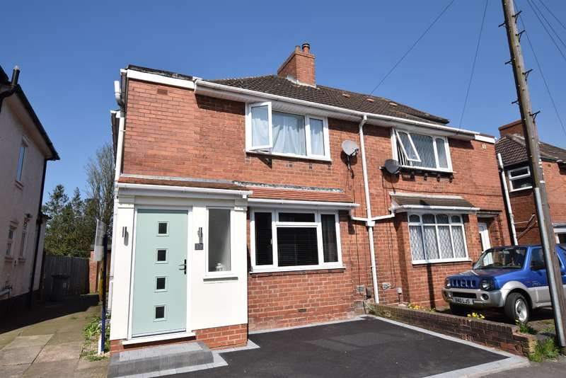 3 Bedrooms Semi Detached House for sale in Alston Road, Solihull, B91 2RP