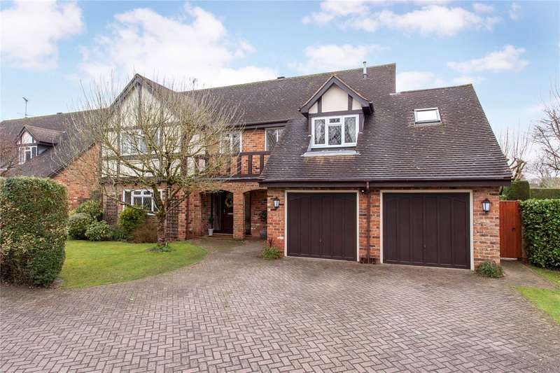 5 Bedrooms Detached House for sale in Lodge Road, Hurst, Berkshire, RG10