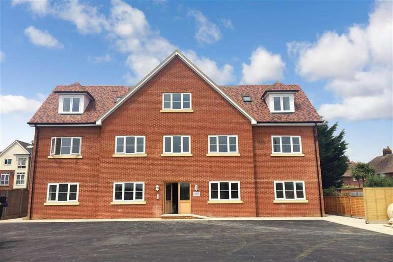 1 Bedroom Apartment Flat for sale in Lord Nicholson Court, The Sycamores, Hersden, Canterbury, Kent