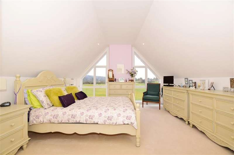 3 Bedrooms Link Detached House for sale in Rougemont, Kings Hill, West Malling, Kent