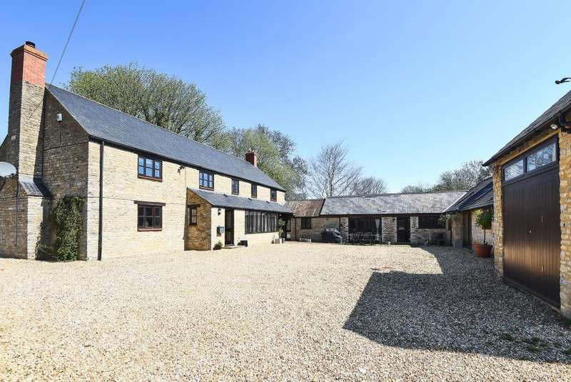 5 Bedrooms Detached House for sale in North Street, Fritwell, OX27