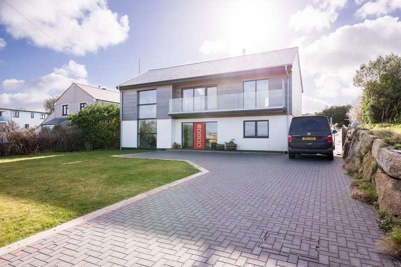 4 Bedrooms Detached House for sale in Cove Road, Sennen TR19