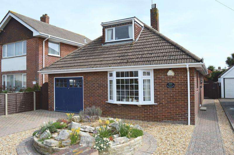 4 Bedrooms Detached Bungalow for sale in Sea Grove Avenue, Hayling Island