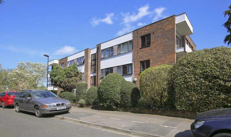 3 Bedrooms Flat for sale in Forsyth Place, EnfIeld EN1