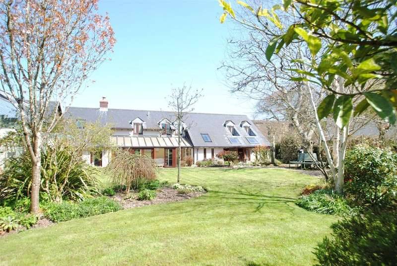 4 Bedrooms Detached House for sale in Beaford, Winkleigh