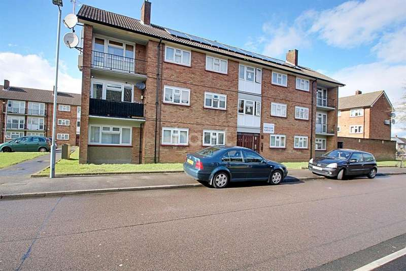 2 Bedrooms Flat for sale in Farley Hill