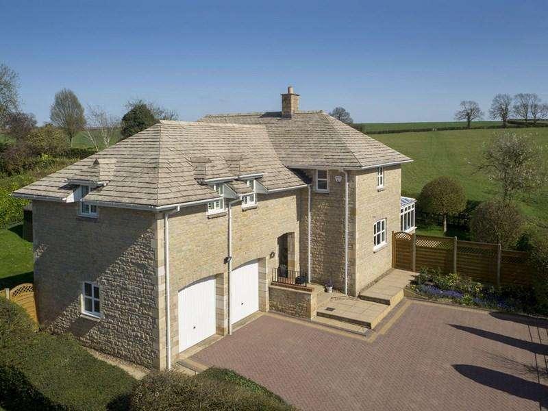 4 Bedrooms Village House for sale in Deenethorpe, NN17
