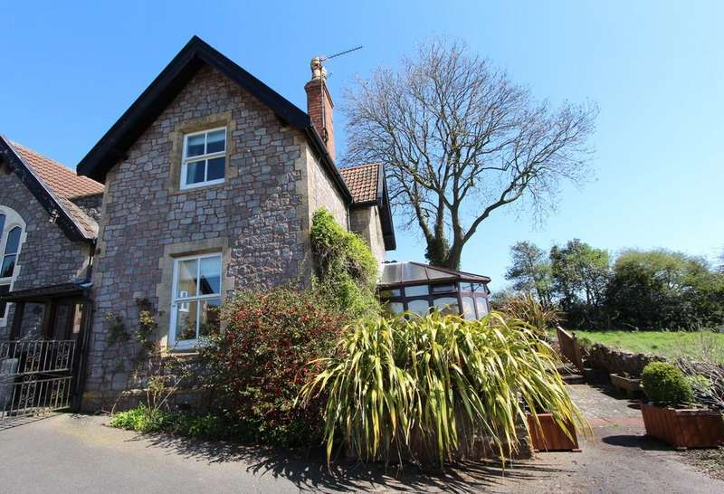 2 Bedrooms Cottage House for sale in Superb views in Redhill