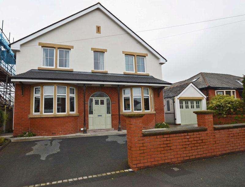 4 Bedrooms Detached House for sale in Victoria Road, Poulton-Le-Fylde, FY6 7JA