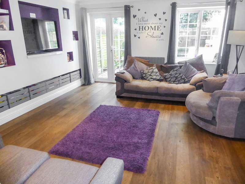 3 Bedrooms Semi Detached House for sale in Chineham RG24