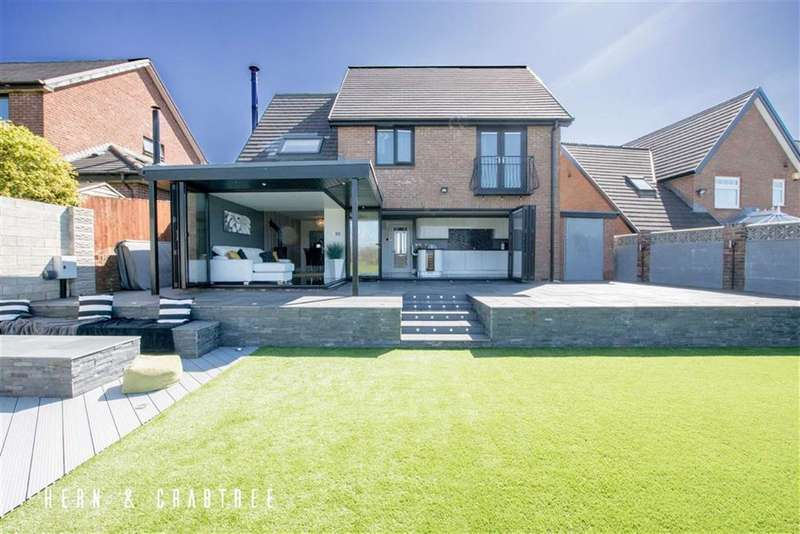 4 Bedrooms Detached House for sale in Clos Y Cwarra, St Fagans, Cardiff