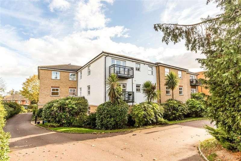2 Bedrooms Flat for sale in Riddell Lodge, 27 Bycullah Road, Enfield, EN2
