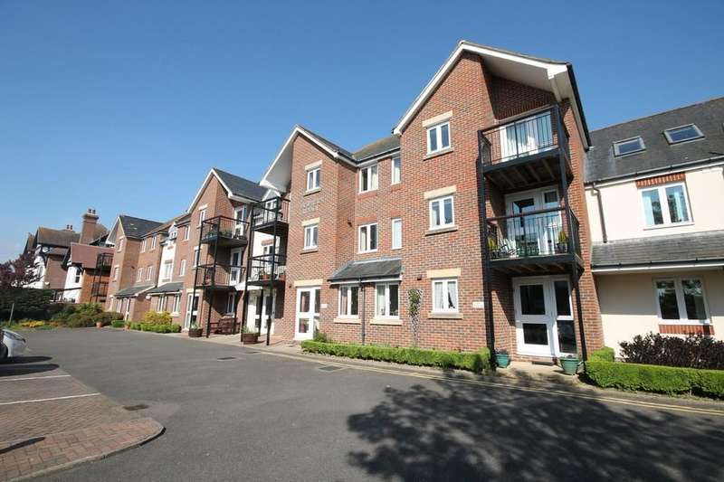 1 Bedroom Flat for sale in St Pauls Lodge, Southdown Road, Shoreham-By-Sea BN43 5AN