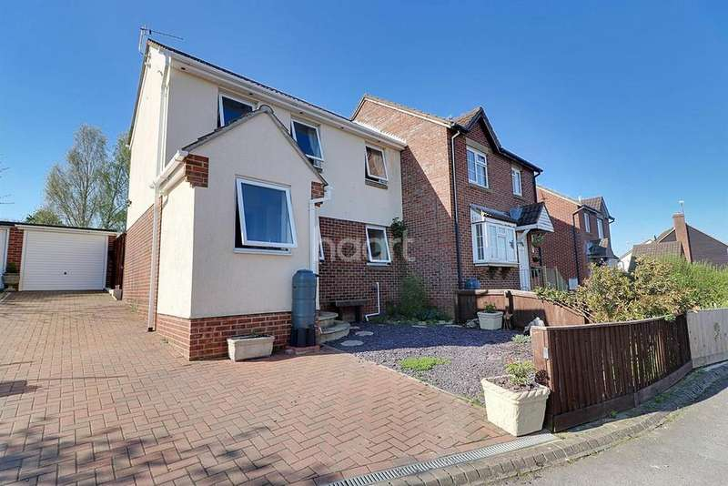 2 Bedrooms Semi Detached House for sale in Goldsborough Close, Swindon, Wiltshire