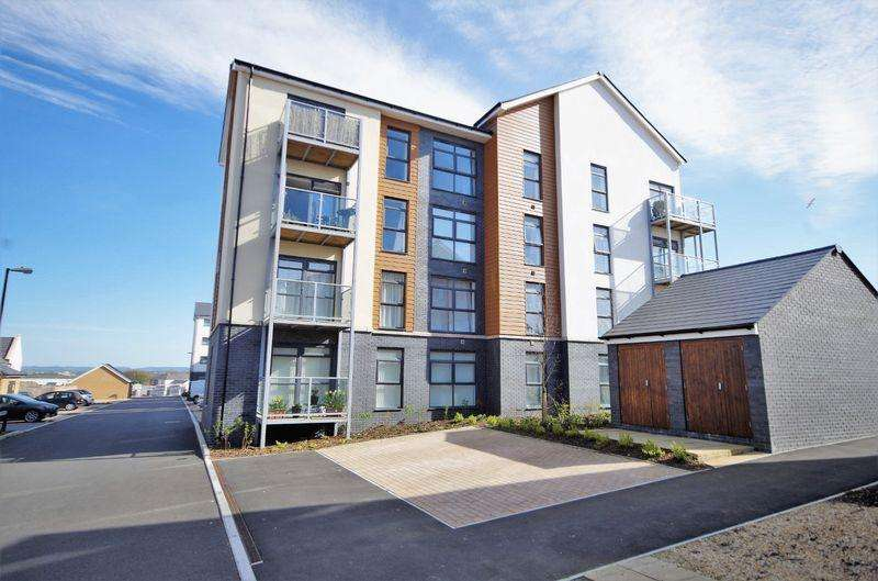 2 Bedrooms Apartment Flat for sale in Great Brier Leaze, Patchway, Bristol