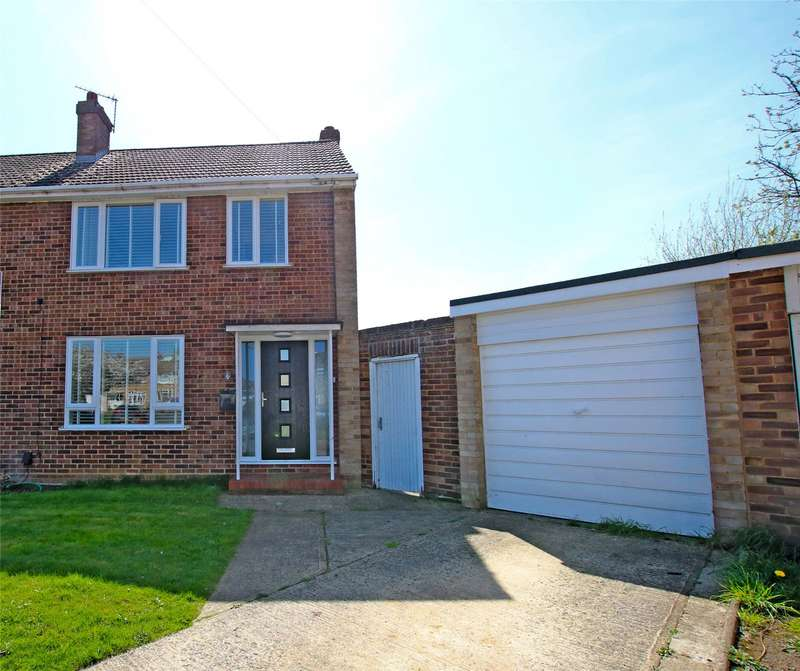 3 Bedrooms Semi Detached House for sale in Black Prince Close, Byfleet, West Byfleet, Surrey, KT14