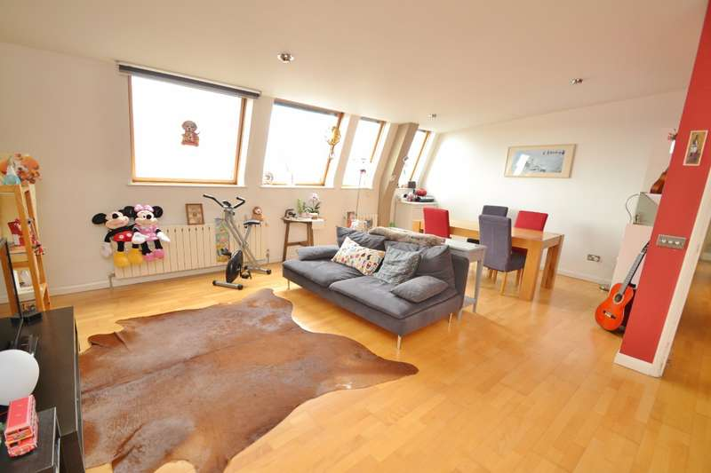 2 Bedrooms Flat for sale in Bedford Place