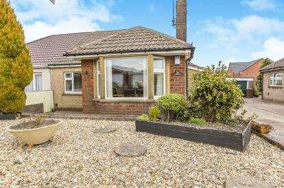 3 Bedrooms Bungalow for sale in Balmoral Avenue, Ramsgreave, Blackburn, Lancashire